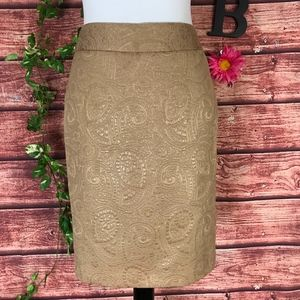 Banana Republic Skirt size 2 Gold Paisley Straight